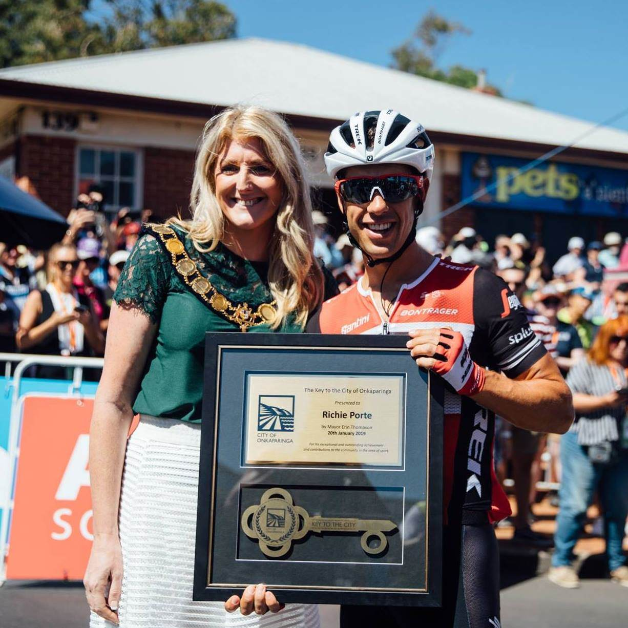 Mayor-Key-to-the-City-Richie-Porte-2019.jpg