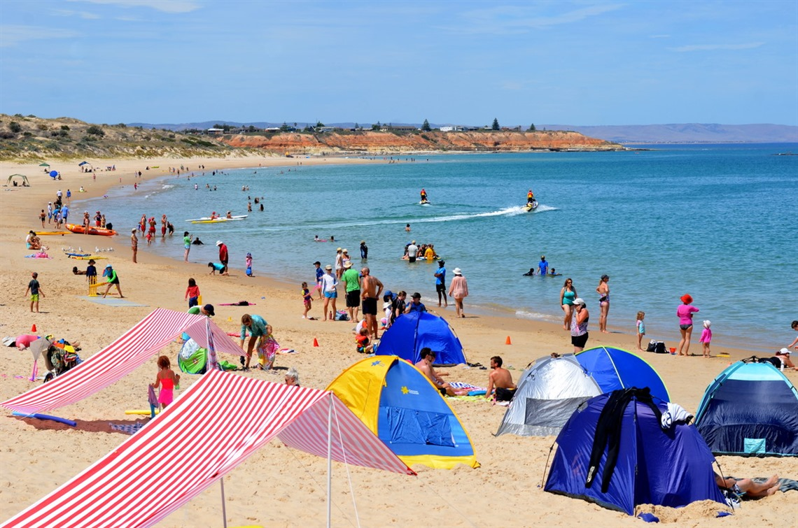Crowds at Port Noarlunga beach