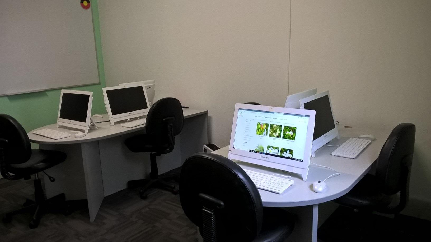 Computer-Room-2.jpg